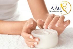 Việc lựa chọn kem dưỡng da tác động nhiều đến làn da của bạn