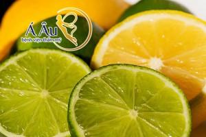 Chanh chứa nhiều vitamin C, chất tẩy trắng, chất oxy hóa