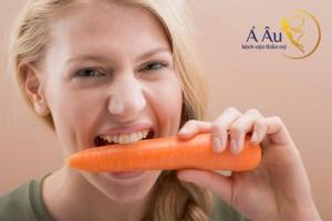 Cà rốt là một trong những thực phẩm chống lão hóa da mắt hiệu quả
