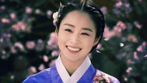 Mặc dù 33 tuổi, Kim Tae Hee vẫn sỡ hữu nước căng mịn, đầy sức sống