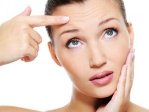 Qua thời gian, da mặt phụ nữ không còn được mịn màng và tươi sáng như trước.