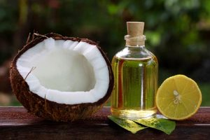 Dầu dừa dưỡng ẩm, căng da mặt hiệu quả